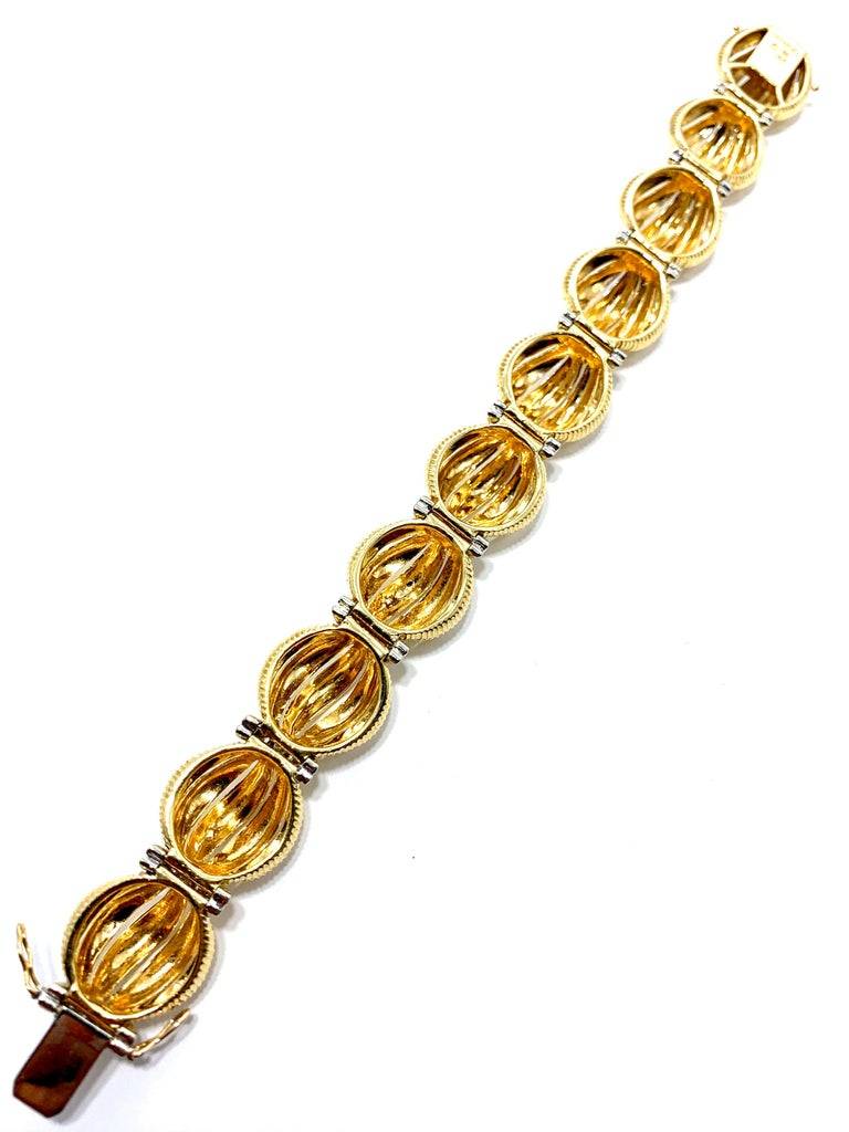Tiffany & Co. 2.50 Carat Round Diamond and Domed Textured Gold Link Bracelet For Sale 1