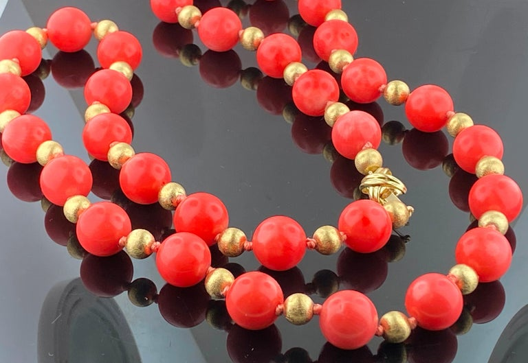 Women's or Men's Tiffany & Co. Coral and 14KT Yellow Gold bead Necklace For Sale