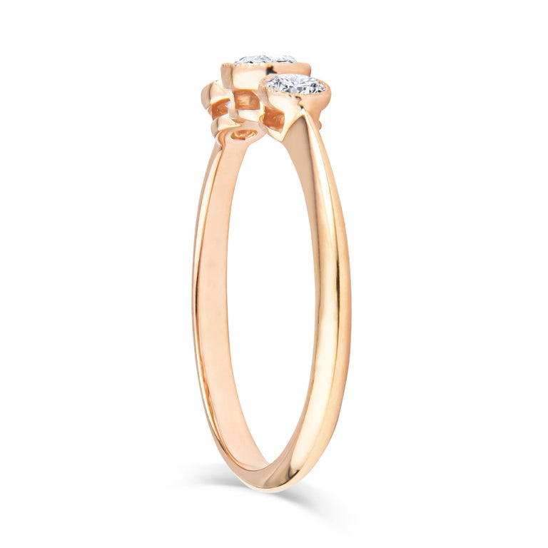 Round Cut Tiffany & Co. 3-Stone 0.33ctw Round Diamond 18kt Rose Gold Ring 'D-F. VS2-VVS1' For Sale