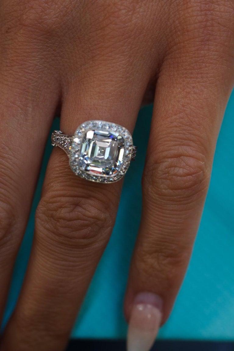 Tiffany & Co. 5.56 Carat E VS2 Cushion-Cut Diamond Legacy Platinum Ring For Sale 5