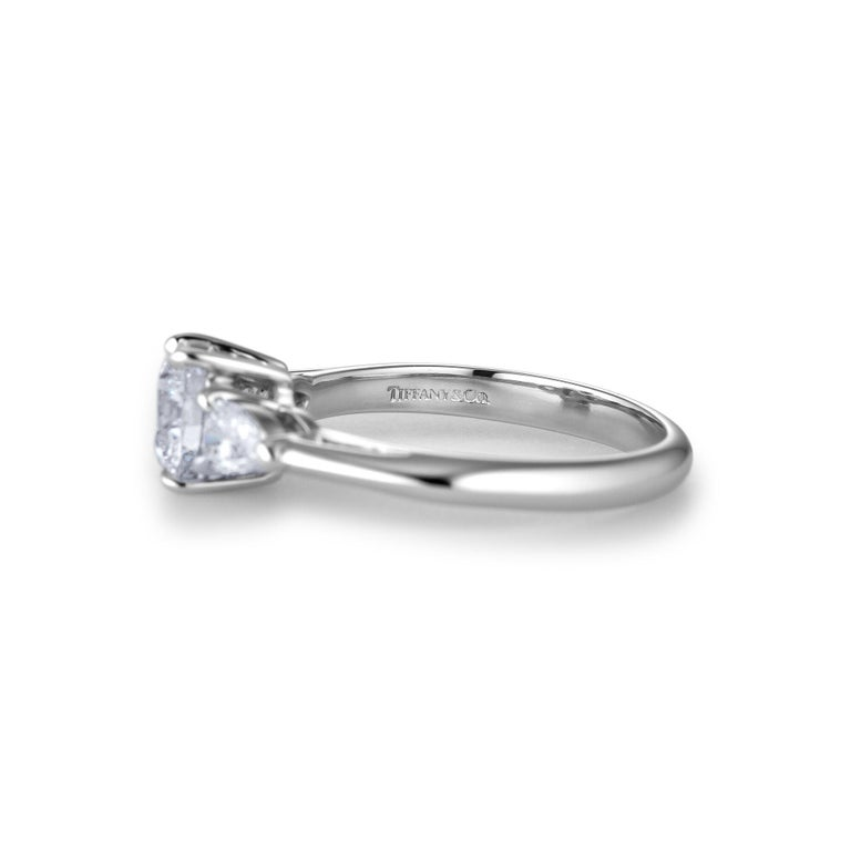Tiffany & Co. .93 Carat Round Brilliant Cut Diamond Engagement Ring In Excellent Condition For Sale In Greenwich, CT