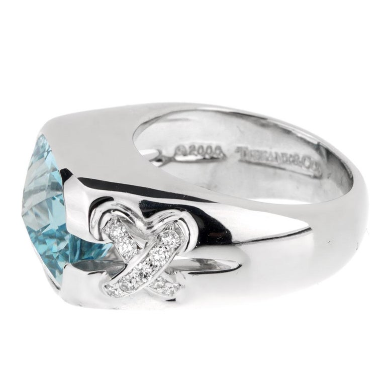 Tiffany & Co. Aquamarine Diamond White Gold Ring In Excellent Condition For Sale In Feasterville, PA