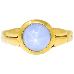 Tiffany & Co. Art Nouveau Star Sapphire 18 Karat Gold Cabochon Ring, circa 1910
