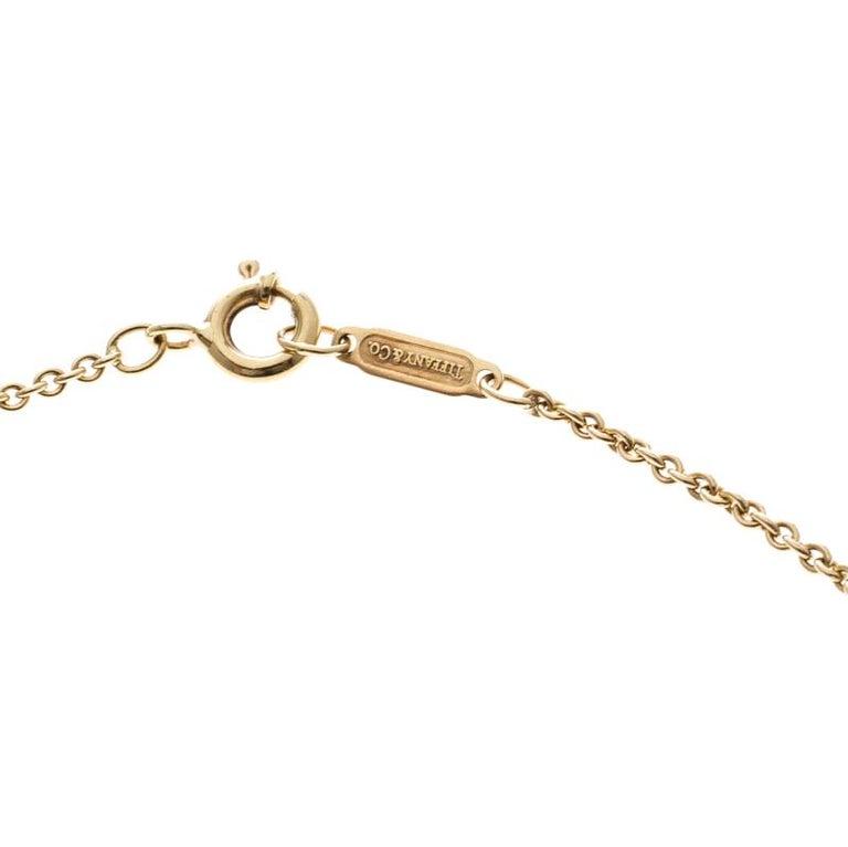 Tiffany & Co. Atlas 18k Yellow Gold Round Pendant Necklace In Good Condition For Sale In Dubai, Al Qouz 2