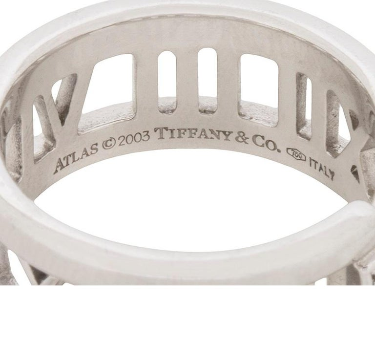 Tiffany & Co. 'Atlas' Open Style Three-Stone Diamond Ring In Good Condition For Sale In London, GB