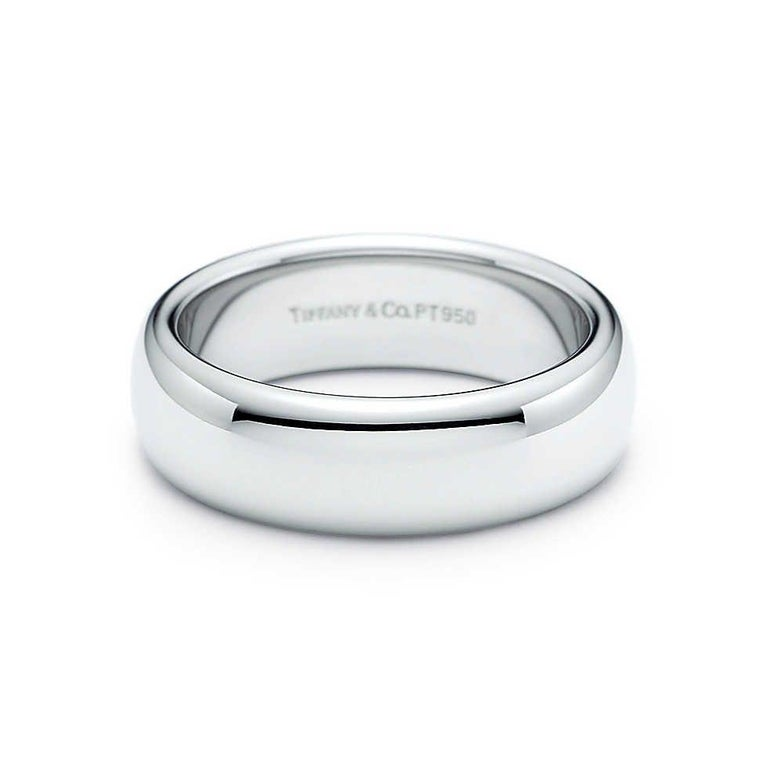 Tiffany & Co. Classic Platinum Wedding Band in Platinum For Sale 7