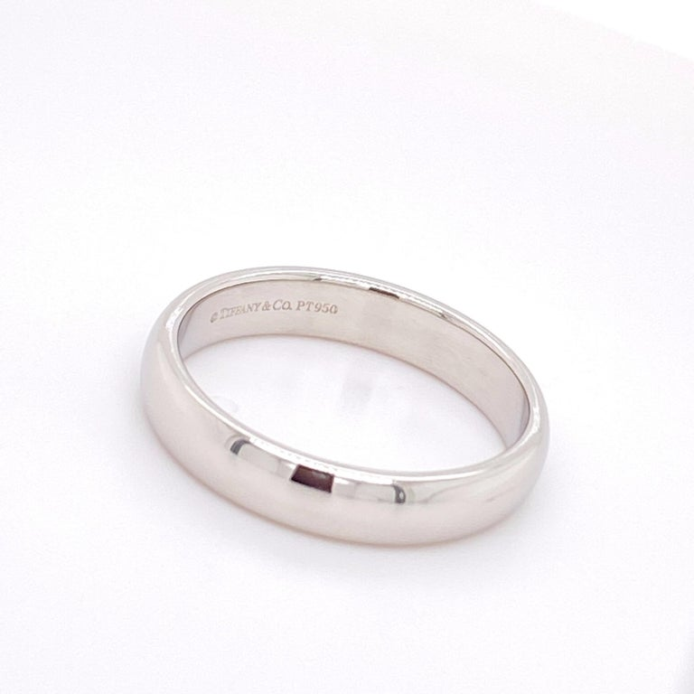 Tiffany & Co. Classic Platinum Wedding Band in Platinum For Sale 2