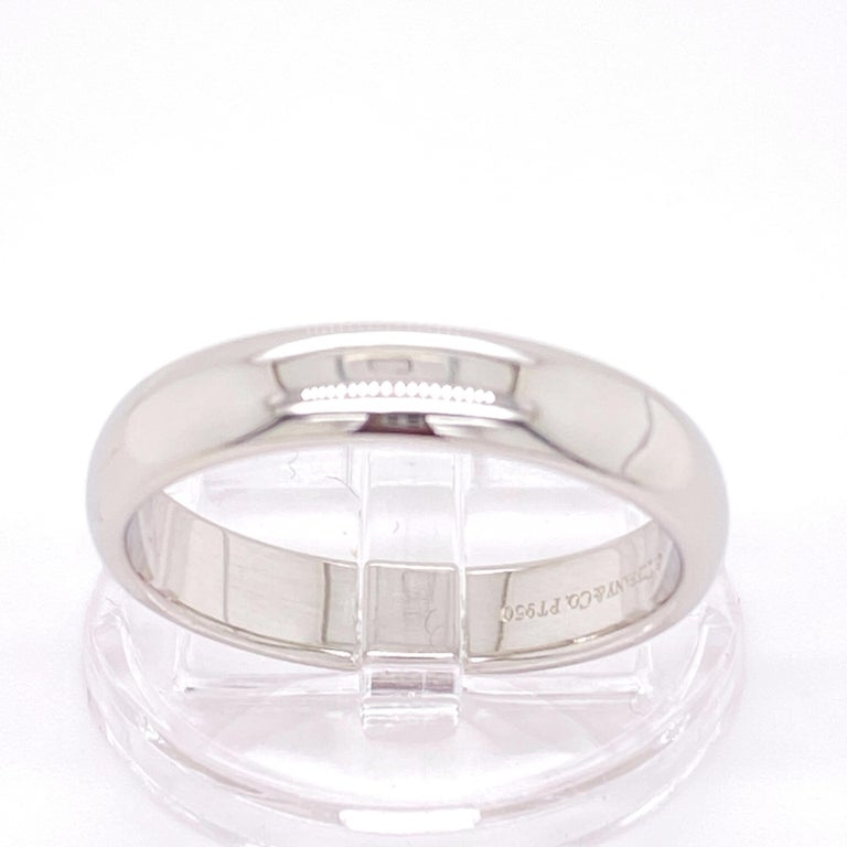 Tiffany & Co. Classic Platinum Wedding Band in Platinum For Sale 3