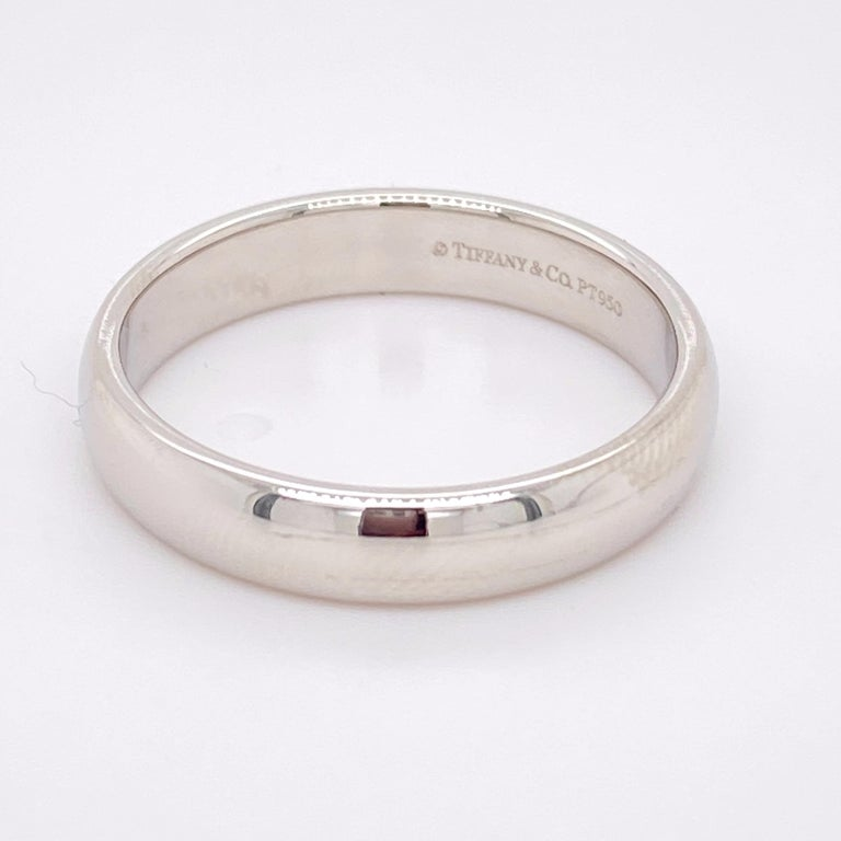 Tiffany & Co. Classic Platinum Wedding Band in Platinum For Sale 4