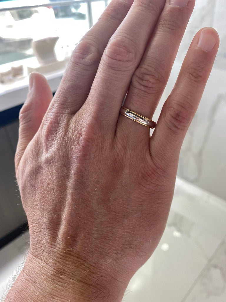Tiffany & Co. Classic Two Tone Platinum & 18k Gold Wedding Band In New Condition For Sale In Houston, TX