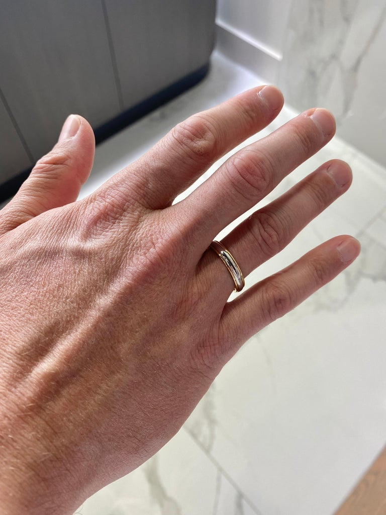 Women's or Men's Tiffany & Co. Classic Two Tone Platinum & 18k Gold Wedding Band For Sale
