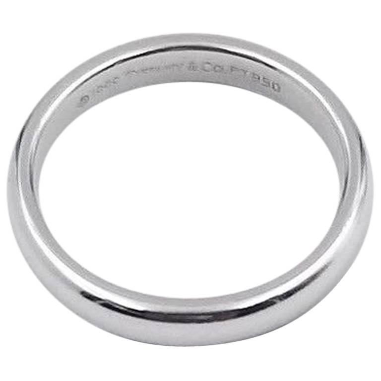 Tiffany & Co. Classic Wedding Band Ring in Platinum 3 mm