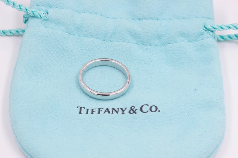 Modern Tiffany & Co. Classic Wedding Band Ring Platinum For Sale