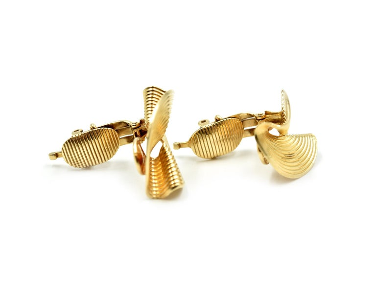 Contemporary Tiffany & Co. Clip-On Earrings 14 Karat Yellow Gold For Sale