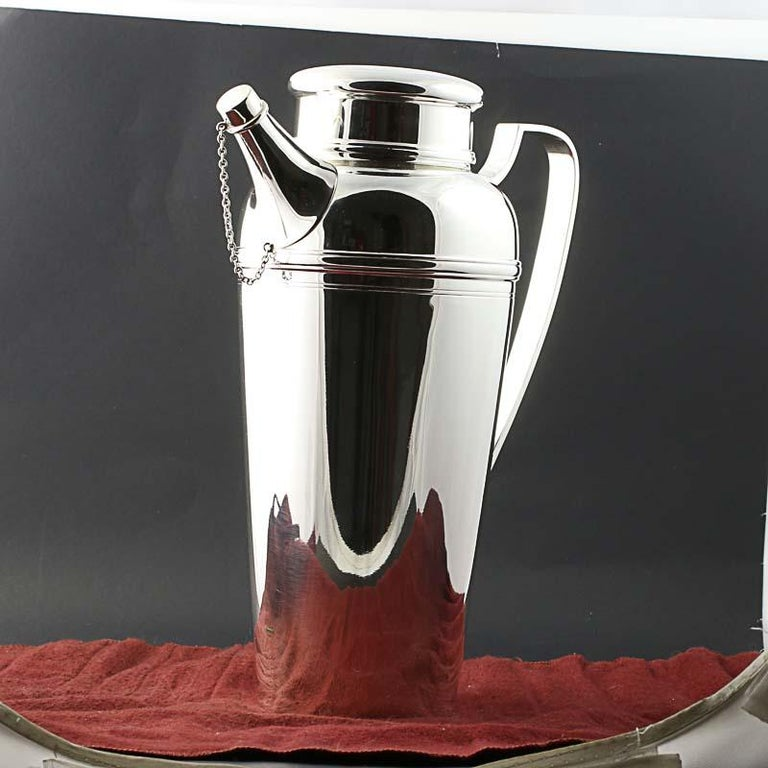 Item: Cocktail Shaker / Pitcher Brand: Tiffany & Co Pattern Number: 21357 3197 Monogram: No Stamps: Tiffany & Co Makers 9251000 m 21357 3197 4 Pints 1 Metal Content: Sterling Silver Measurements: 10 1/2