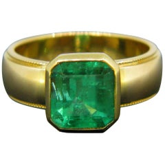 Tiffany & Co. 2.70ct Colombian Emerald Yellow Gold Band Ring