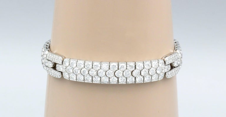 Elegant diamond and platinum bracelet by Tiffany & Co. This beautifully made bracelet features very high grade round brilliant cut diamonds, approx. 18.0-20.0cts total weight.   Hallmarks: Tiffany & Co., PT950