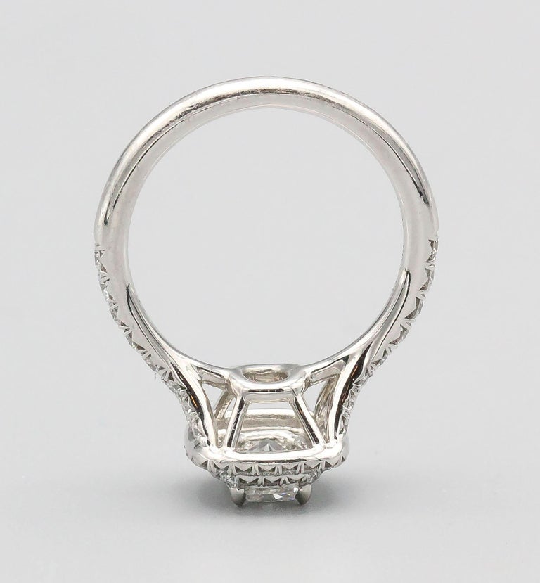 Women's Tiffany & Co. Diamond and Platinum Engagement Ring For Sale