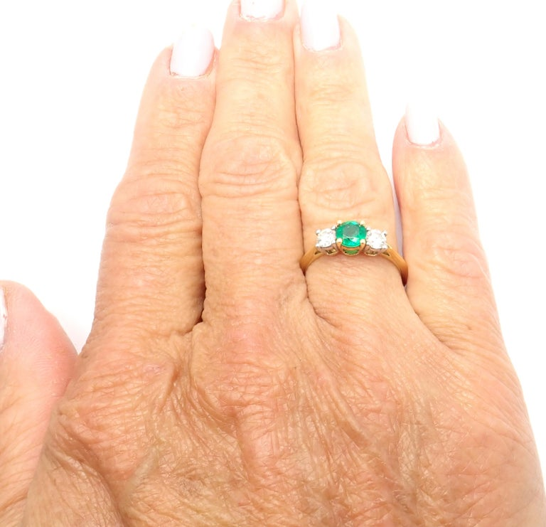 Tiffany & Co. Diamond Emerald Three-Stone Platinum Yellow Gold Band Ring For Sale 4
