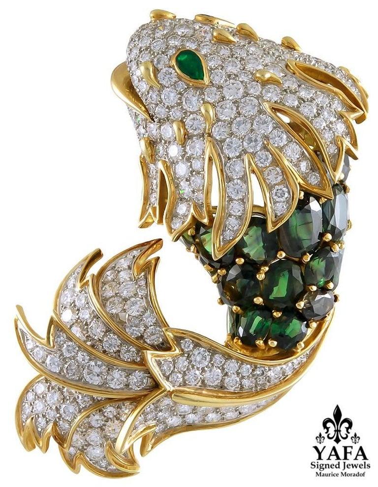 Oval Cut Tiffany & Co. Diamond Peridot Yellow Gold Fish Brooch For Sale