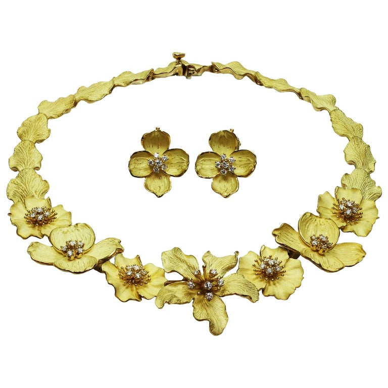 Tiffany & Co. Dogwood Flower Diamond Yellow Gold Necklace and Earring Set For Sale