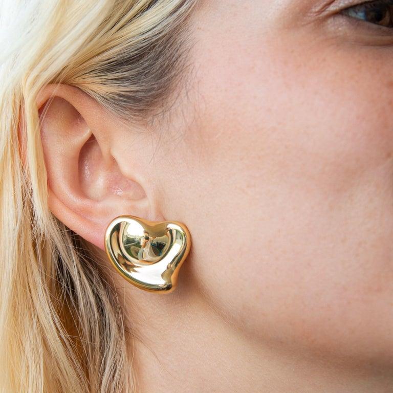 Women's Tiffany & Co Elsa Peretti 18 Karat Yellow Gold Full Heart Pierced Earrings For Sale
