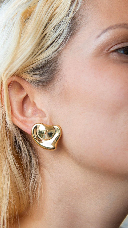 Tiffany & Co Elsa Peretti 18 Karat Yellow Gold Full Heart Pierced Earrings For Sale 1