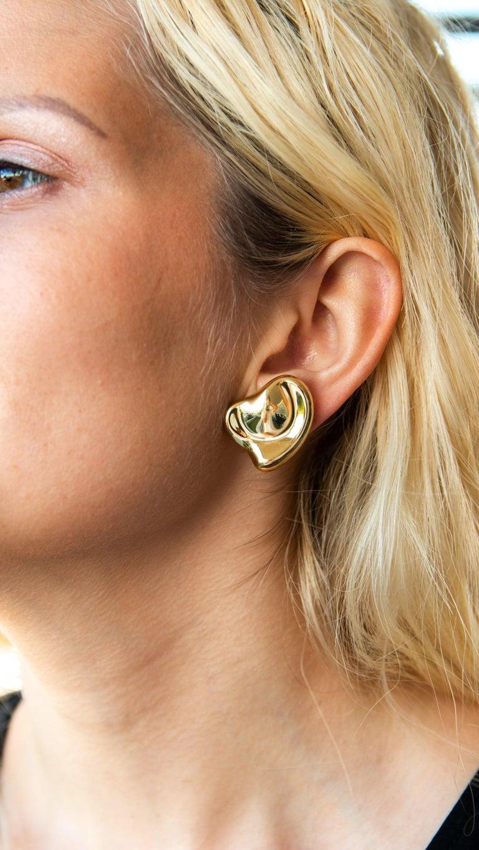 Tiffany & Co Elsa Peretti 18 Karat Yellow Gold Full Heart Pierced Earrings For Sale 2