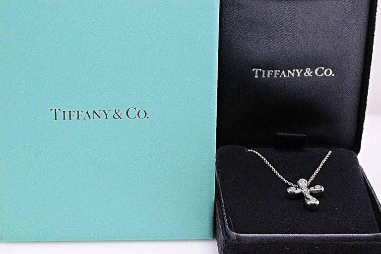 Tiffany & Co. Elsa Peretti Diamond Cross Pendant Necklace in Platinum For Sale 1