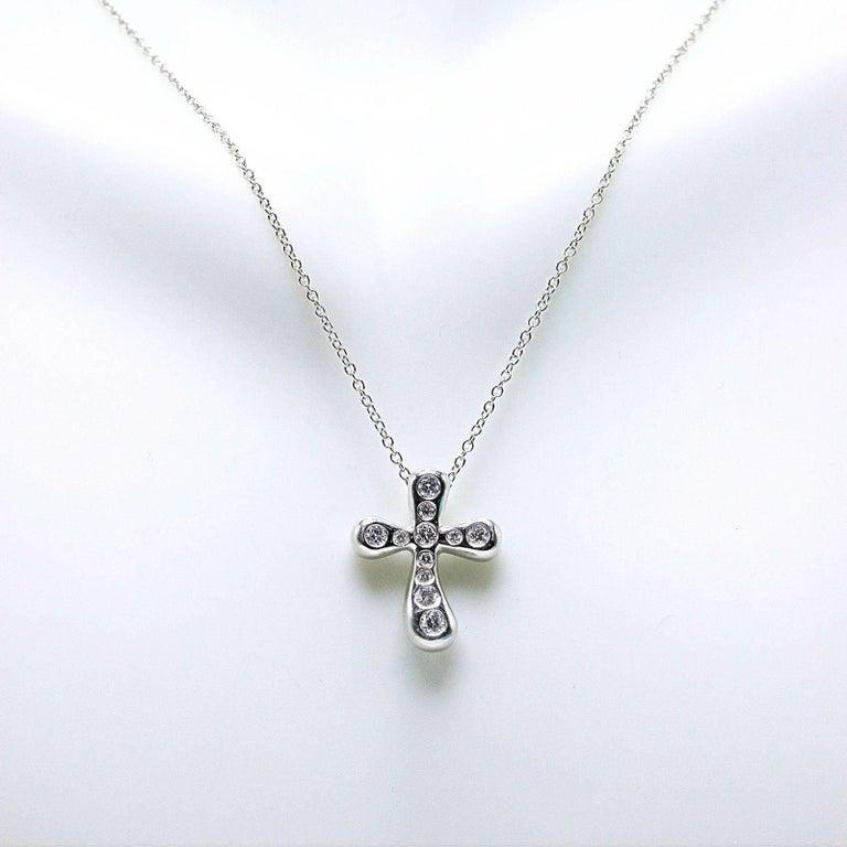 Tiffany & Co. Elsa Peretti Diamond Cross Pendant Necklace in Platinum For Sale 3