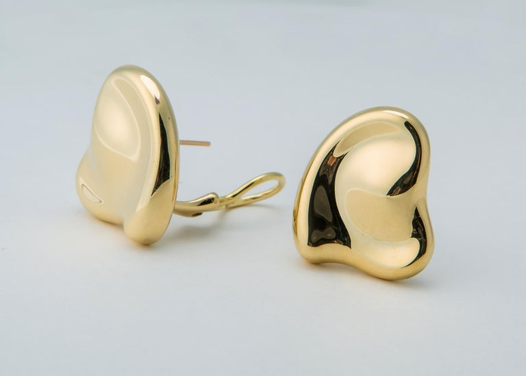 Tiffany & Co. Elsa Peretti Heart Motif Earrings In Excellent Condition For Sale In Atlanta, GA