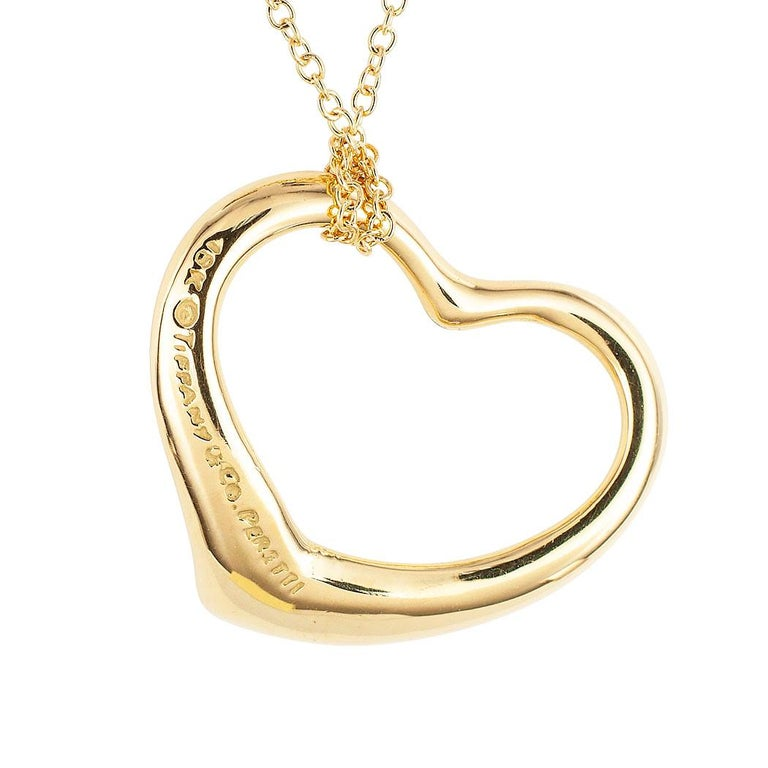 Tiffany & Co. Elsa Peretti Heart Shaped Yellow Gold Pendant In Good Condition For Sale In Los Angeles, CA
