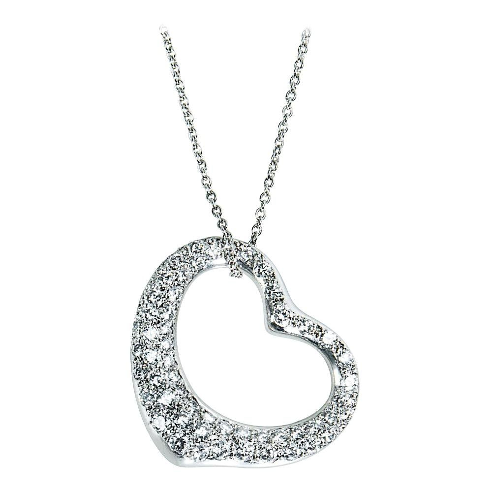 bafde1b25010b 2 TO 2.5 Carat Pendant Necklaces - 49 For Sale at 1stdibs