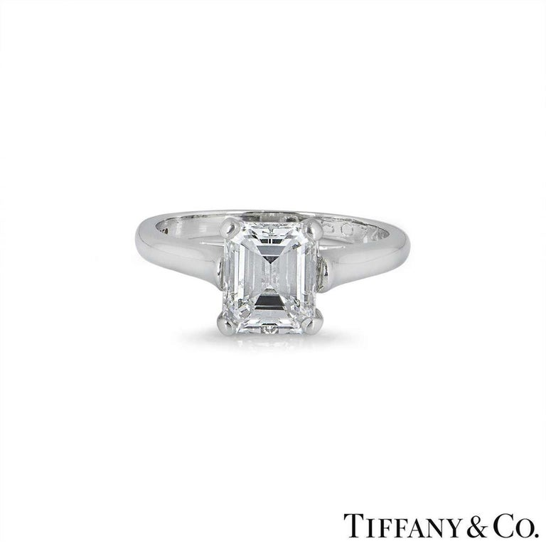 Tiffany & Co. Emerald Cut Diamond Engagement Ring 1.59ct E/VS1 GIA Certified In Excellent Condition For Sale In London, GB