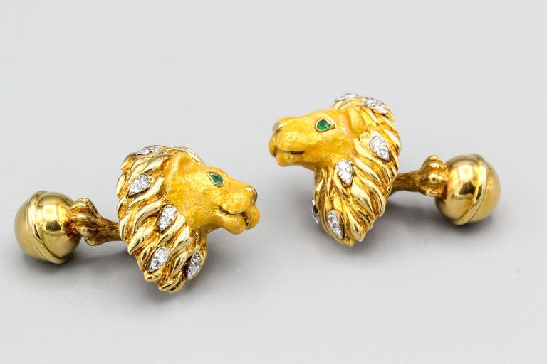 Contemporary Tiffany & Co. Emerald Diamond and Enamel 18 Karat Gold Lion Cufflinks For Sale