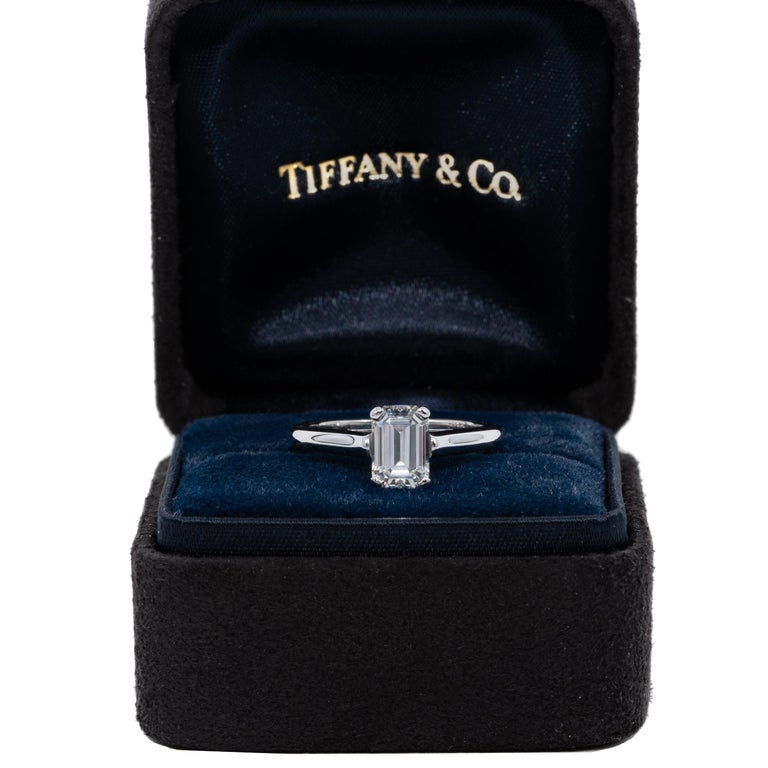 Tiffany & Co. Engagement Ring with 1.07 Carat Emerald Cut Centre in Platinum For Sale