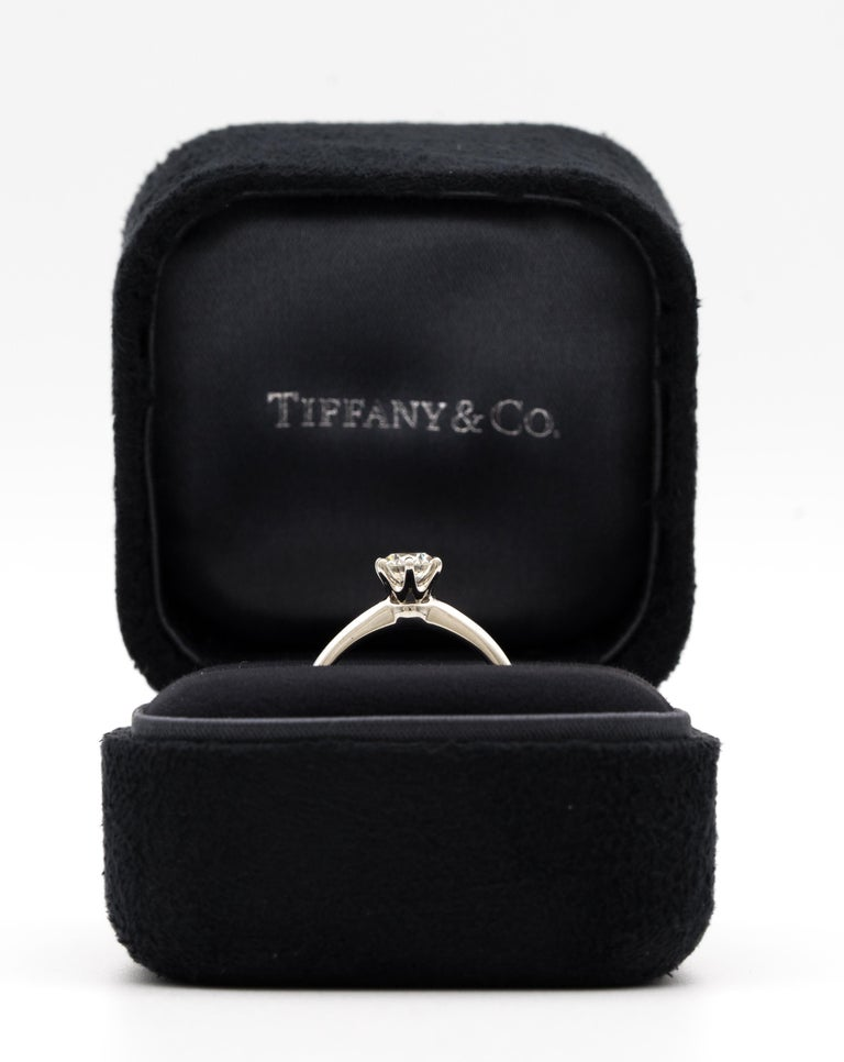Round Cut Tiffany & Co. Engagement Ring with 1.28 Carat Centre in Platinum ($18,200) For Sale