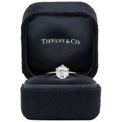 Tiffany & Co. Engagement Ring with 1.91 Carat G VS1 Round Brilliant Centre