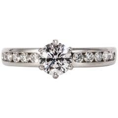 Tiffany & Co. Verlobungsring mit 0.73 Karat rundem Brillanten im Zentrum in Platin