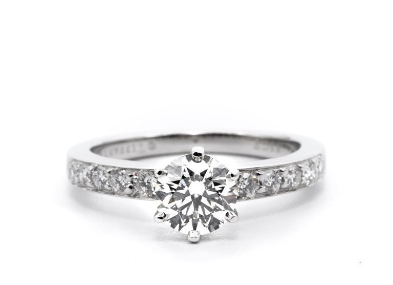 Contemporary Tiffany & Co. Engagement Ring with .85 Carat Round Brilliant Centre in Platinum For Sale