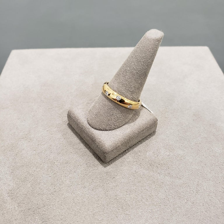 Round Cut Tiffany & Co. Etiole Band Ring in Yellow Gold For Sale