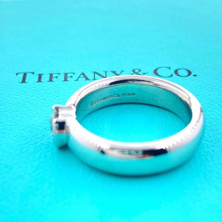 Tiffany & Co. Etoile Round Diamond 0.56 TCW H VVS2 Engagement Ring Platinum For Sale 5