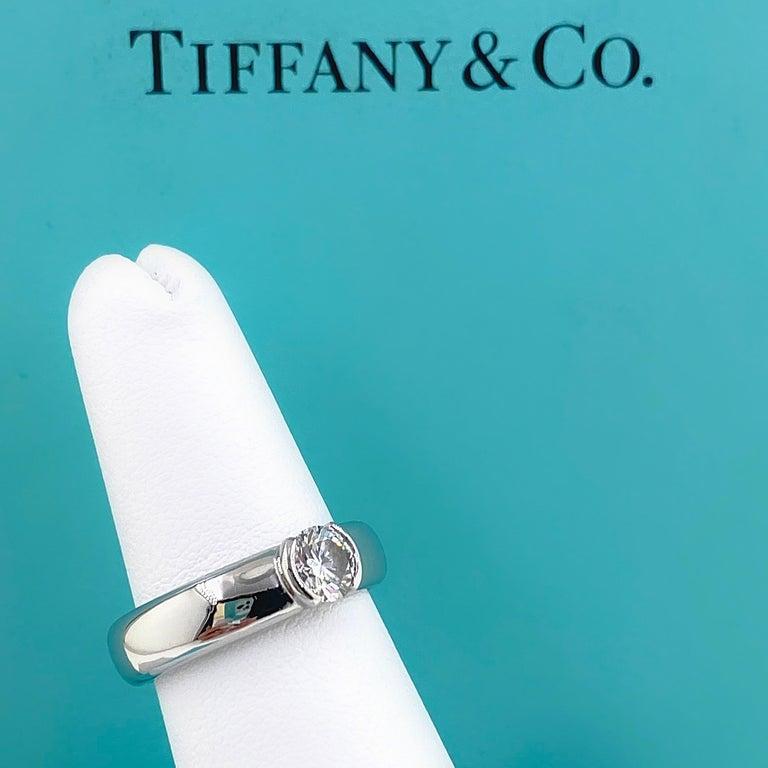 Tiffany & Co. Etoile Round Diamond 0.56 TCW H VVS2 Engagement Ring Platinum For Sale 9