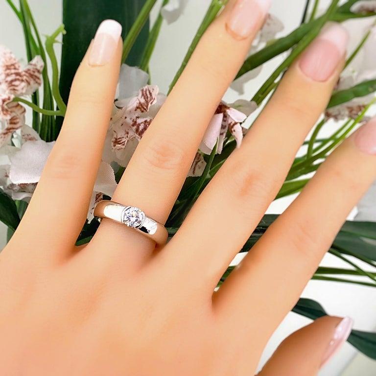 Tiffany & Co. Etoile Round Diamond 0.56 TCW H VVS2 Engagement Ring Platinum For Sale 1