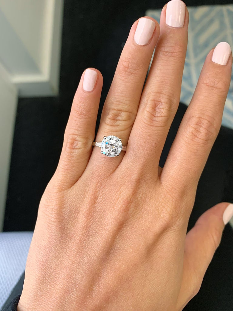 Tiffany & Co. GIA Certified 2.54 Carat E VS1 Brilliant Round Diamond Ring In Excellent Condition In New York, NY
