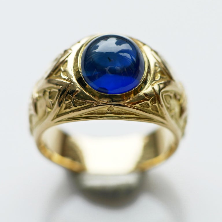 Tiffany & Co. Gilded Age Men's Sapphire Cabochon Ring in Gothic Setting For Sale 8
