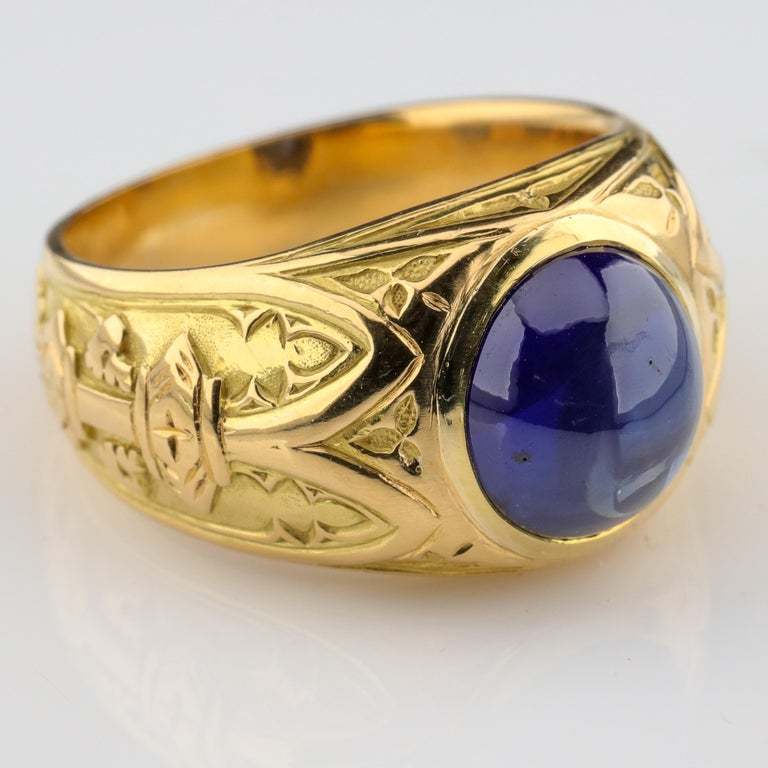 Tiffany & Co. Gilded Age Men's Sapphire Ring as Featured in The New York Times In Excellent Condition For Sale In Southbury, CT