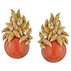 Tiffany & Co. Gold 18k Vintage Round Coral Diamond Clip-On Backings Earrings
