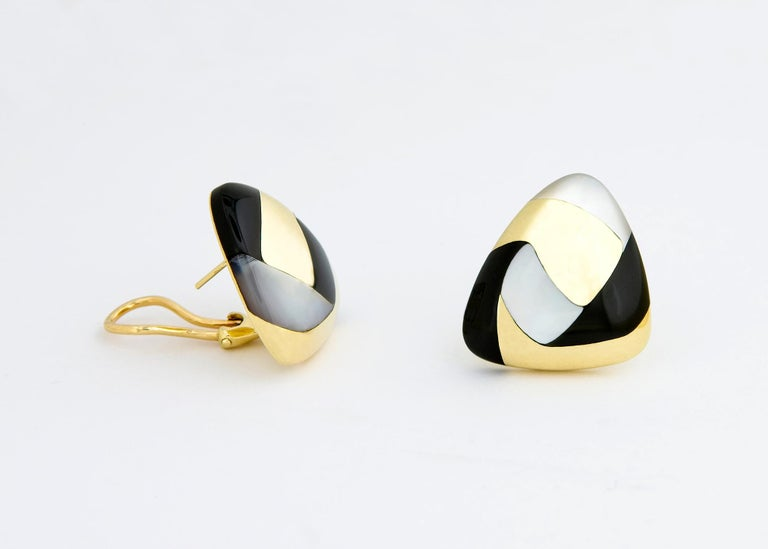 Tiffany & Co. Gold Black Jade and Mother of Pearl Earrings In Excellent Condition In Atlanta, GA