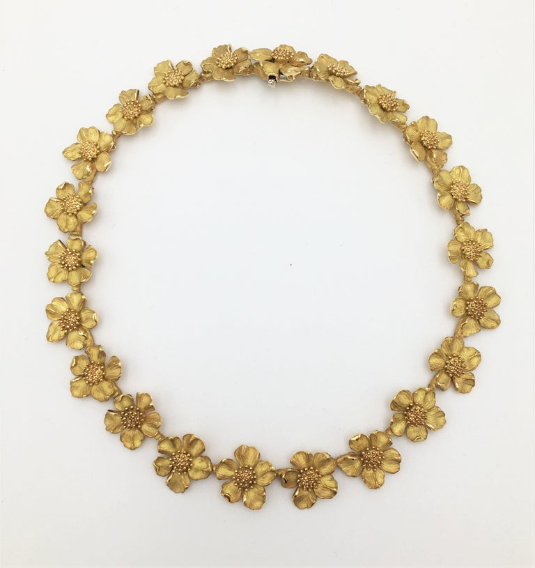 Tiffany & Co. Gold Dogwood Flower Necklace In Excellent Condition For Sale In New York, NY